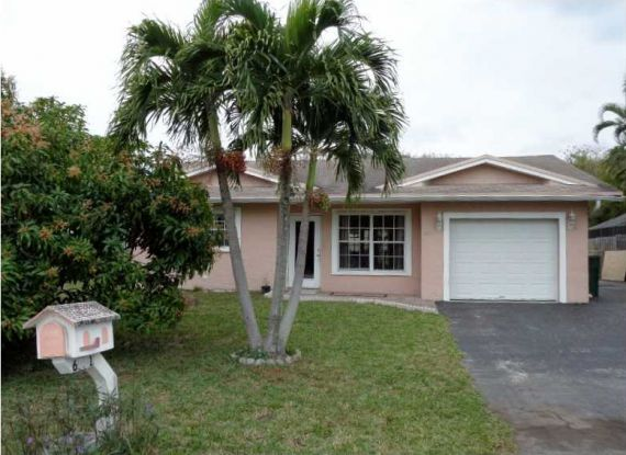 Дом в Майами, США, 400 м2 - фото 1