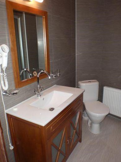 Отель, гостиница в Карловых-Варах, Чехия, 1000 м2 - фото 1