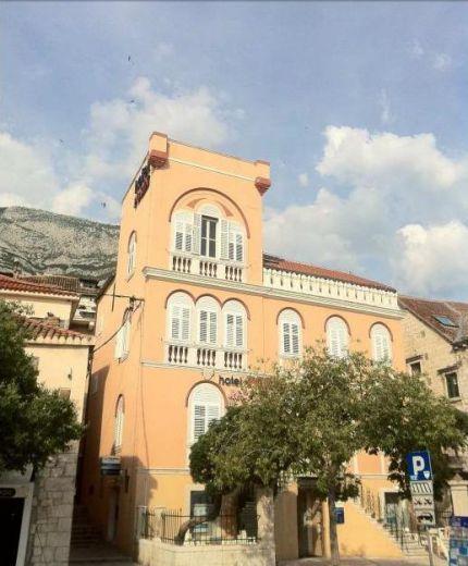 Отель, гостиница в Макарске, Хорватия, 296 м2 - фото 1