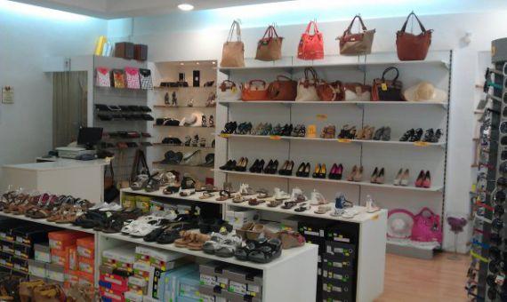 Магазин в Пуле, Хорватия, 75 м2 - фото 1