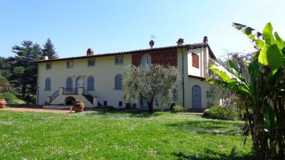 Вилла в Лукке, Италия, 2.5 Га - фото 1