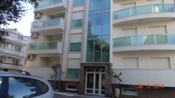 Квартира в Бечичи, Черногория, 76 м2 - фото 1