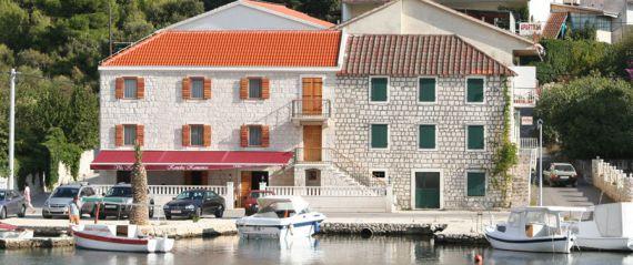 Отель, гостиница в Трогире, Хорватия, 420 м2 - фото 1