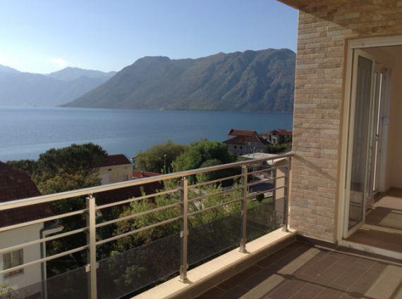 Квартира в Доброте, Черногория, 108 м2 - фото 1