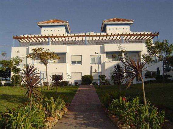 Дом в Эстепоне, Испания, 250 м2 - фото 1