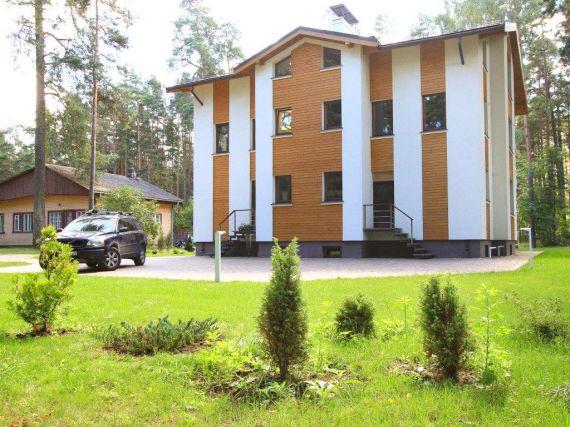 Дом в Юрмале, Латвия, 3715 м2 - фото 1