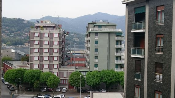 Апартаменты у озера Комо, Италия, 120 м2 - фото 1