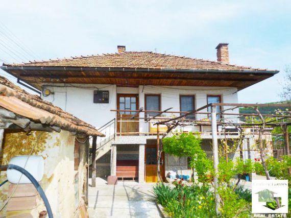 Дом в Велико Тырново, Болгария, 860 м2 - фото 1