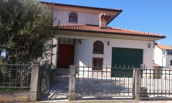 Дом в Умаге, Хорватия, 428 м2 - фото 1