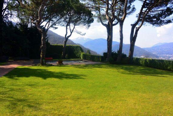 Вилла в Лугано, Швейцария, 710 м2 - фото 1