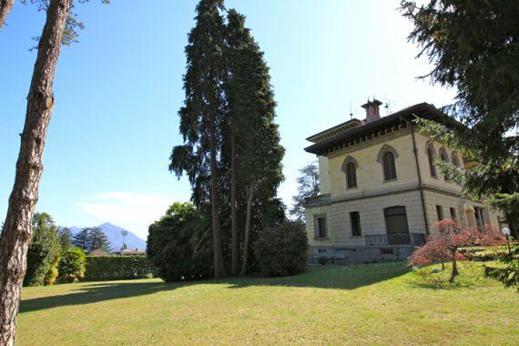 Апартаменты у озера Маджоре, Италия, 250 м2 - фото 1