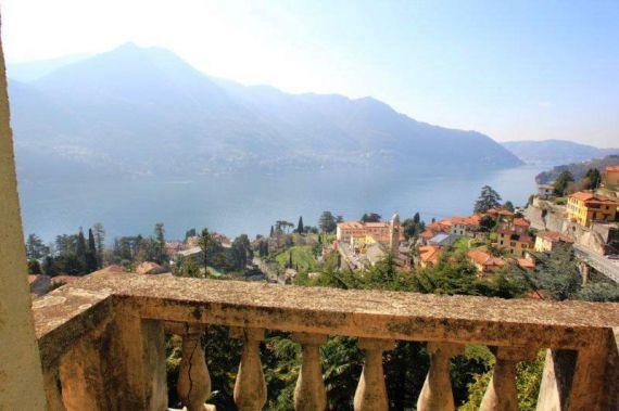 Вилла у озера Комо, Италия, 450 м2 - фото 1