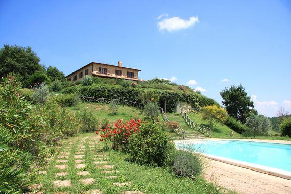 Коттедж в Умбрии, Италия, 250000 м2 - фото 2