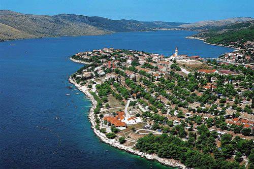 Земля в Трогире, Хорватия, 1370 м2 - фото 1