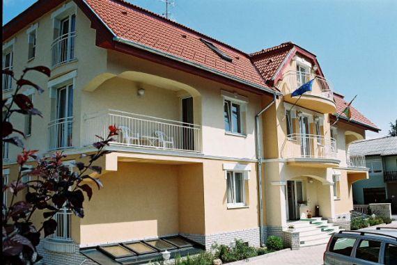 Отель, гостиница в Хевизе, Венгрия, 880 м2 - фото 1