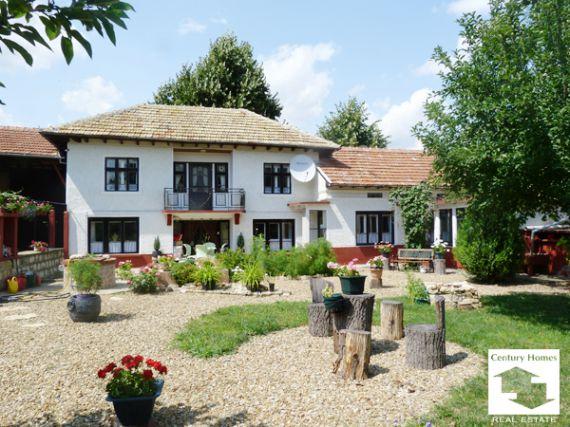 Дом в Велико Тырново, Болгария, 2750 м2 - фото 1