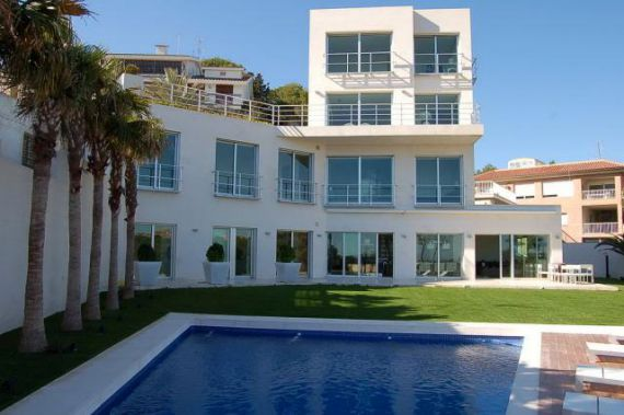 Отель, гостиница в Ориуэле, Испания, 436 м2 - фото 1