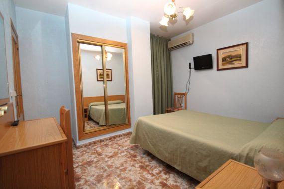Отель, гостиница в Аликанте, Испания, 1000 м2 - фото 1