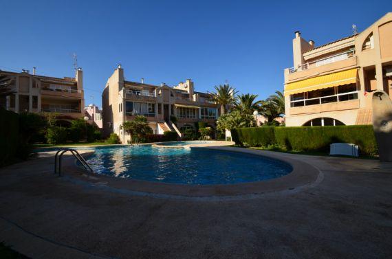 Бунгало в Торревьехе, Испания, 70 м2 - фото 1