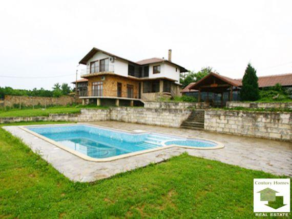 Отель, гостиница в Велико Тырново, Болгария, 520 м2 - фото 1