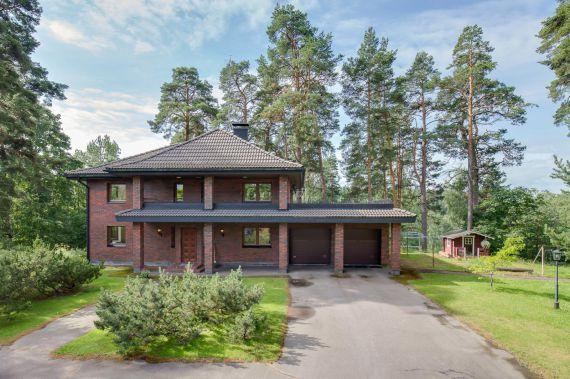 Коттедж в Хельсинки, Финляндия, 7644 м2 - фото 1
