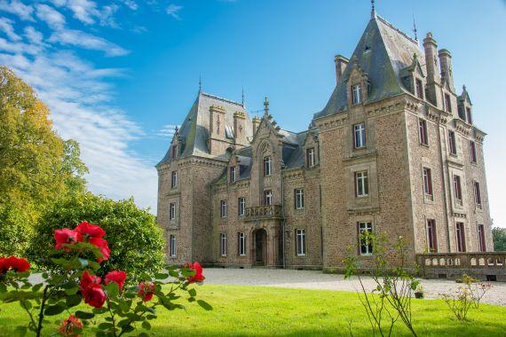 Замок в землях Луары, Франция, 1300 м2 - фото 1
