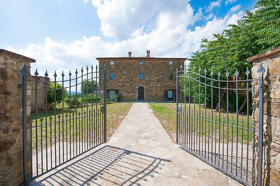 Коттедж в Умбрии, Италия, 576 м2 - фото 3