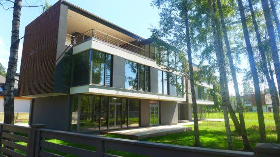Дом в Юрмале, Латвия, 951 м2 - фото 1
