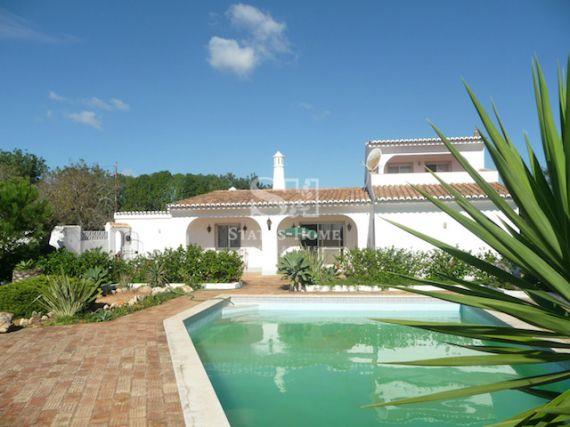 Вилла в Карвоэйро, Португалия, 180 м2 - фото 1