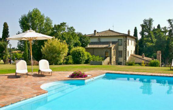 Доходный дом в Кортоне, Италия, 1050 м2 - фото 1