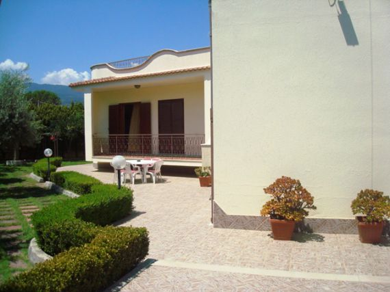Property in Soverato from 50,000 to 100,000 EUR