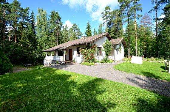Дом в Лахти, Финляндия, 2000 м2 - фото 1