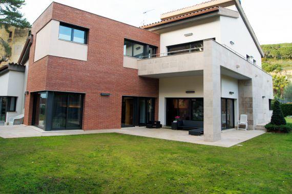 Вилла в Барселоне, Испания, 450 м2 - фото 1