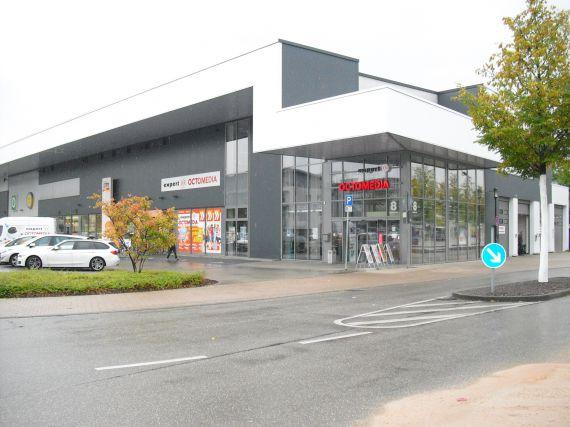 Коммерческая недвижимость в Баден-Бадене, Германия, 6112 м2 - фото 1