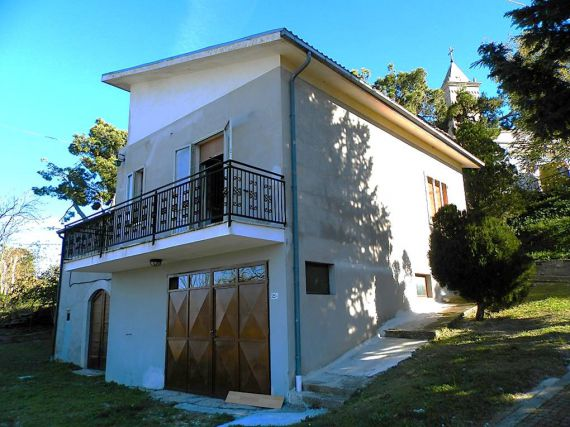 Дом в Абруццо, Италия, 160 м2 - фото 1