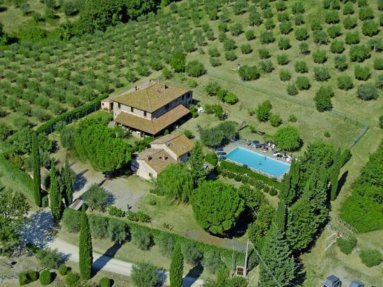 Коттедж в Умбрии, Италия, 650 м2 - фото 1