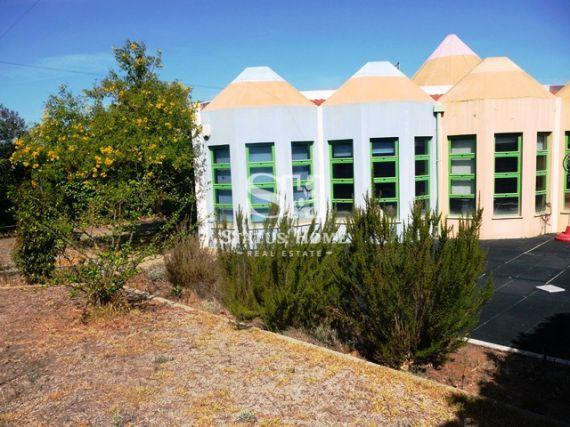 Коммерческая недвижимость в Албуфейре, Португалия, 202 м2 - фото 1