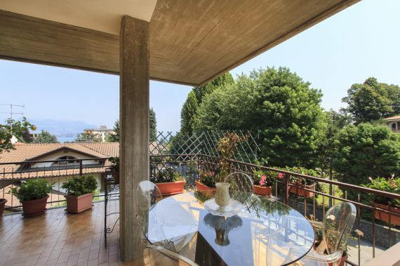 Апартаменты у озера Маджоре, Италия, 100 м2 - фото 1