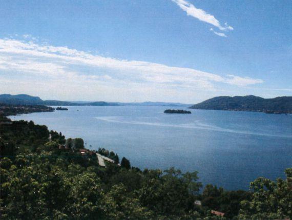 Инвестиционный проект у озера Маджоре, Италия, 12500 м2 - фото 1
