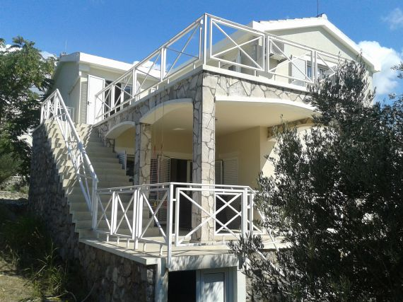 Вилла за  390 000 евро  в Бигово, Черногория