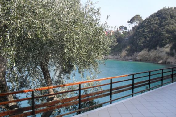 Вилла в Леричи, Италия, 350 м2 - фото 1