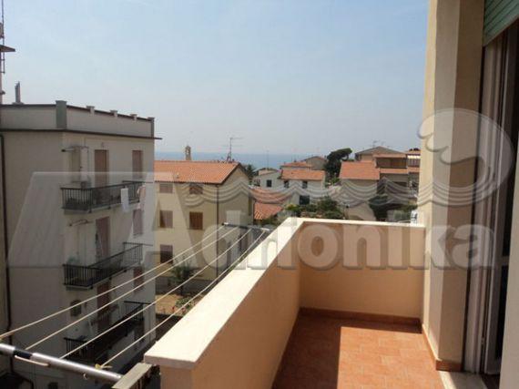 Квартира в Сан-Винченцо, Италия, 80 м2 - фото 1