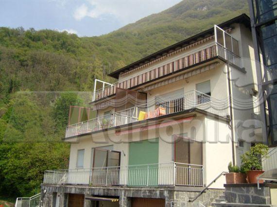 Квартира Озеро Лугано, Италия, 75 м2 - фото 1