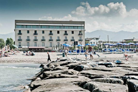 Отель, гостиница Лигурия, Италия - фото 1