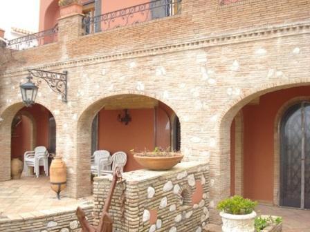 Вилла в Лацио, Италия, 300 м2 - фото 1