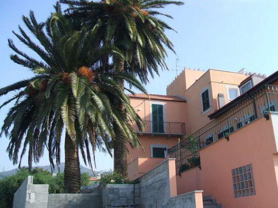 Квартира в Савоне, Италия, 140 м2 - фото 1