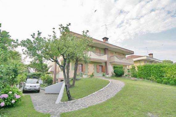 Вилла в Линьяно-Саббьядоро, Италия - фото 1
