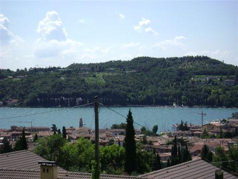 Квартира у озера Гарда, Италия, 95 м2 - фото 1