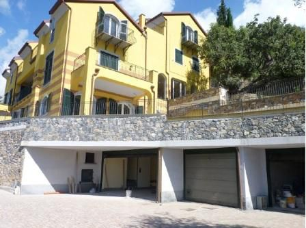 Апартаменты в Алассио, Италия, 62 м2 - фото 1