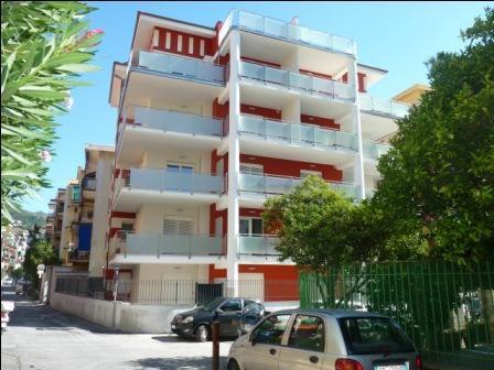 Апартаменты в Алассио, Италия, 51 м2 - фото 1